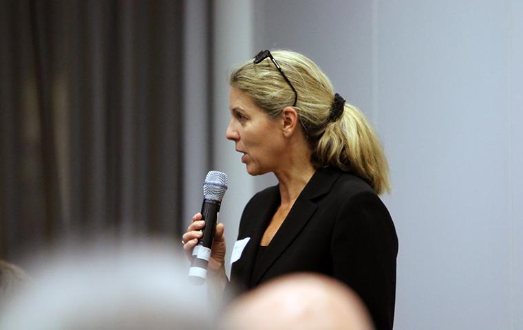 Moderatorin Nicole Roschker